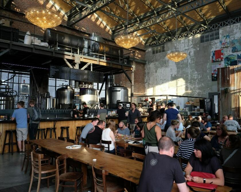 Brewpub - No less than 30 Belgian and foreign beers, all on tap