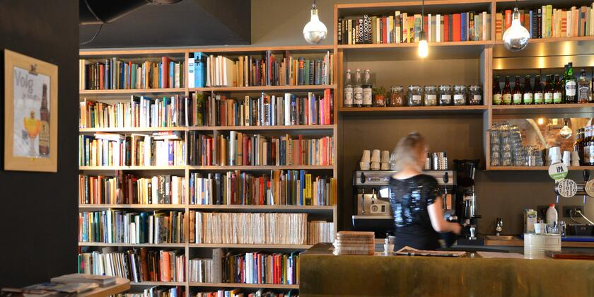 Le Bal Infernal - Used book cafe Gent