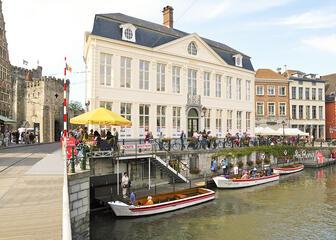 Boat in Gent - aanlegsteiger
