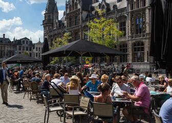 Sunny cafés at Korenmarkt in Ghent