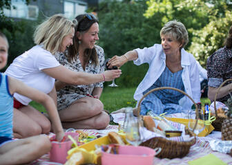 Friends enjoying a picknick together