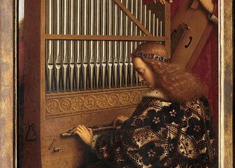 Angels making music