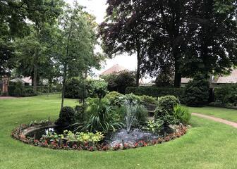 Kuier rond in de wonderbaarlijke tuin van Villa Emma