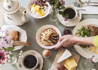 Breakfast setting